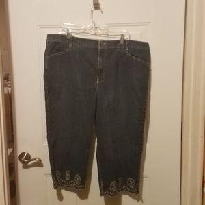 Gloria Vanderbilt 20w capri jeans